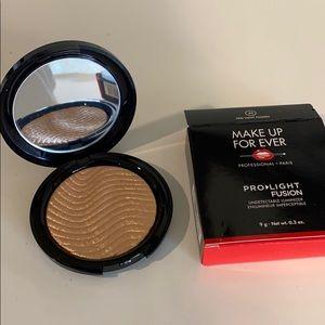 Makeup Forever highlighter